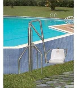 Ascensor acuático hidráulico para piscina con muro exterior. ASCAC007
